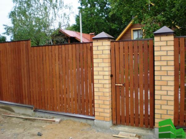 как сделать красивый забор на даче