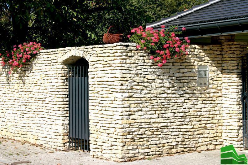 красивый забор из камня