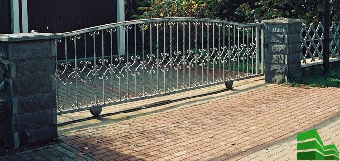 Откатные ворота по рельсу